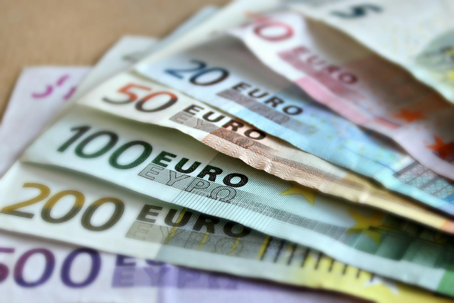 3 money euro